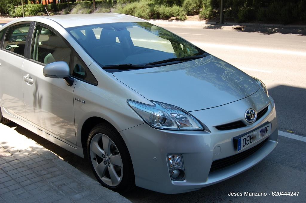Toyota Prius (1024x680)